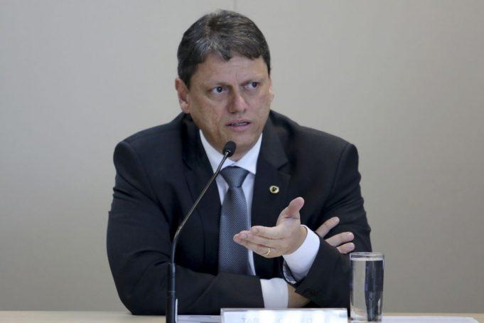 """Concessões: """"O melhor está por vir"""", afirma Tarcísio"""