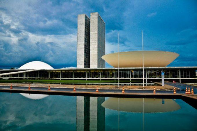 Reforma tributária ajudará a resolver a falta de crescimento no Brasil, diz presidente da CNI