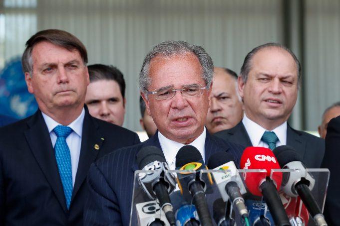 Ministro da Economia, Paulo Guedes durante coletiva de imprensa após reunião.