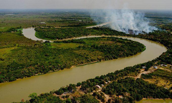 Governo lança plano para combater incêndios e punir crimes ambientais