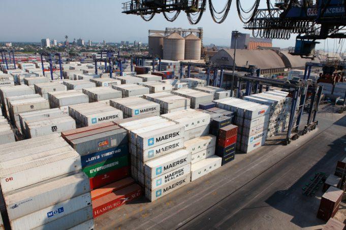 Balança comercial brasileira registra alta de 49,3%